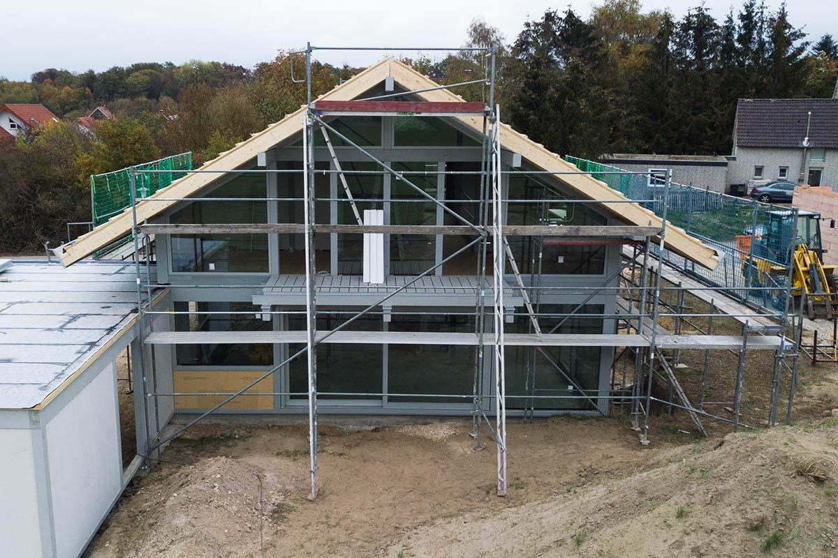 Modernen Fachwerkhaus mit Flachdachanbau 1